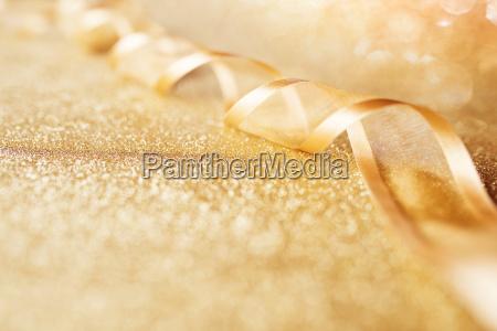 festive golden loop001