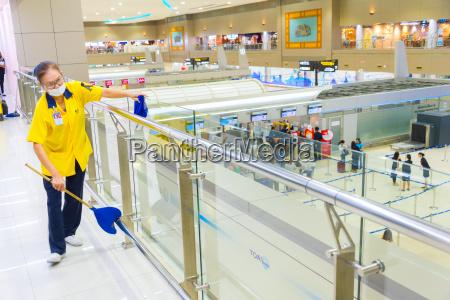 reinigungsdienst arbeit flughafen thailand