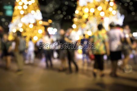 verschwundene hintergrundbild von defokussierten weihnachtsdekorationen im