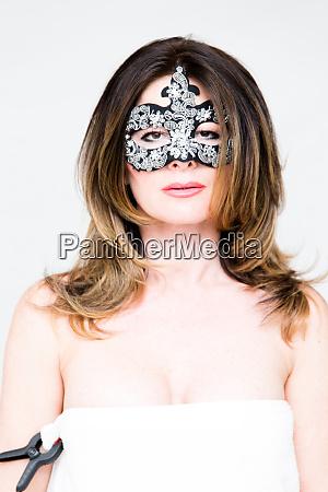 frau gesicht geheimnisvoll mysterioes maskiert schminke