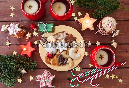 vielzahl von weihnachtsplaetzchen