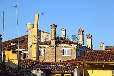 venezianische schornsteine