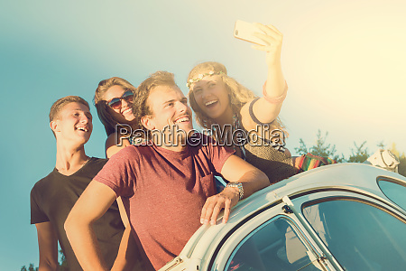 friends on vacations