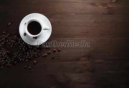 kaffeetasse auf holz