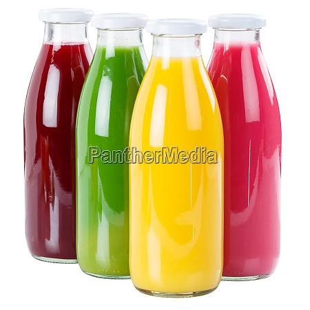 fruchtsaft in einer flasche frisch isoliert