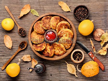 gesunde gemueseschnitzel mit kuerbis