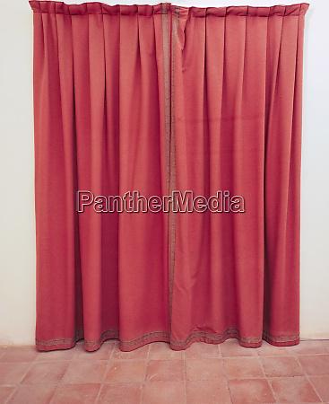 roter vorhang stoff hintergrund