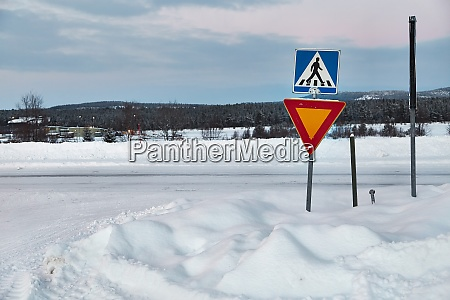 winter road intersection