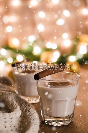 eggnog alkohol cocktail weihnachten molkerei vorabend