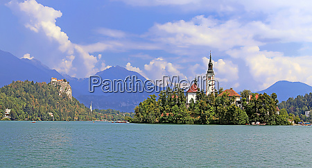 bled tourist attraction in slovenia