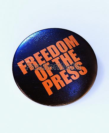 knopfdruck mit der aufschrift pressefreiheit