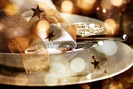 festive christmas place setting