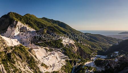 colonnata dorf und carrara berge massa