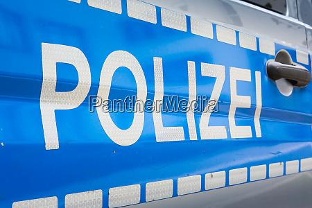 deutsches polizei auto label abzeigen polizei