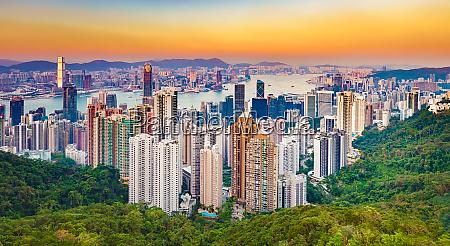 hong kong skyline bei sonnenuntergang panorama