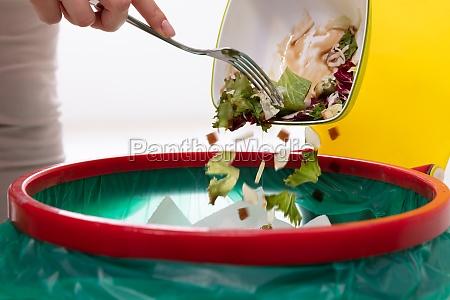 in essen reste werfen muell werfen