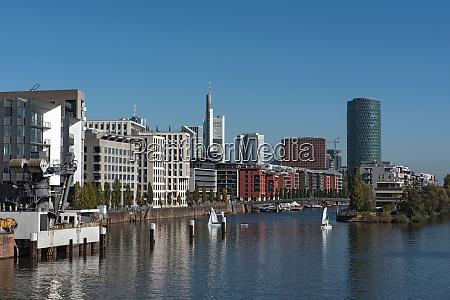 westhafen turm industrieanlagen und privatwohnungen in