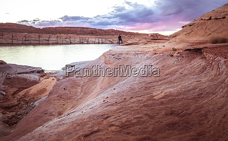 usa arizona lake powell man on