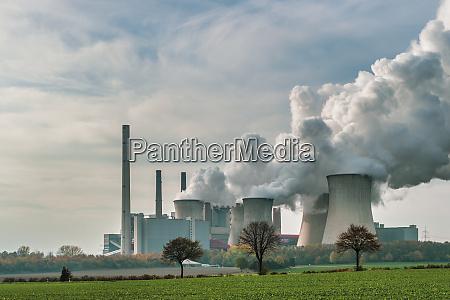 deutschland grevenbroich modernes braunkohlekraftwerk neurath i