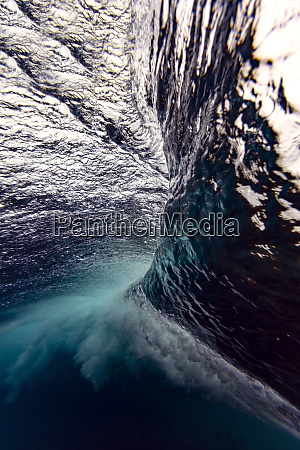maledives under water view of wave