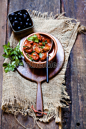 spanish albondingas meatballs in spicy tomato