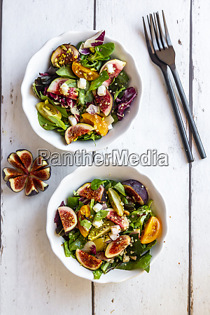 mixed salad with fig tomato ham