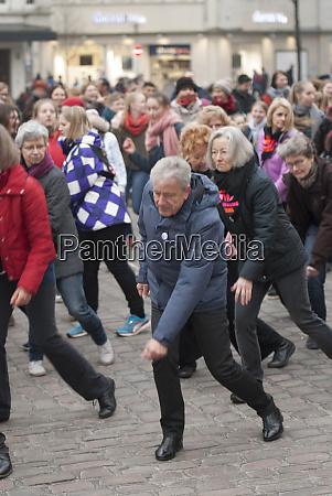 tanz flashmob one billion rising