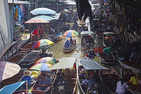dumnoen saduak floating market bangkok thailand