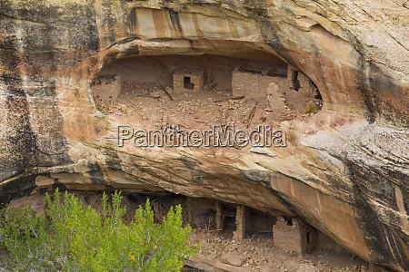 over under anasazi ruins ancestral pueblo