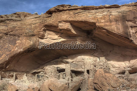 river house ruin ancestral puebloan cliff