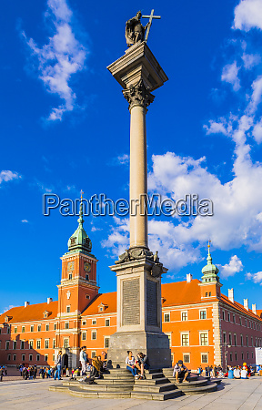 royal castle and sigismunds column in