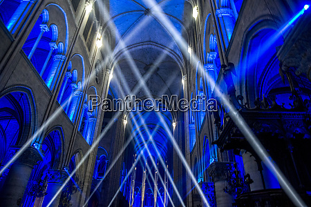 sound and light show at notre