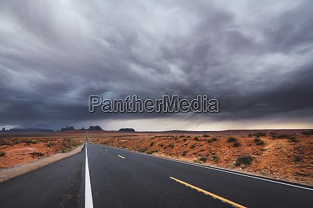 usa utah empty road to monument