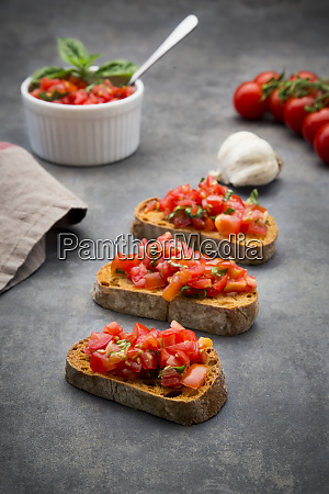 bruschetta with tomato basil garlic and