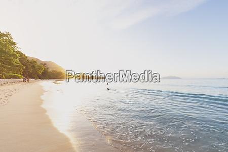 seychellen mahe beau vallon beach bei