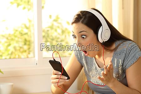 erstaunliche frau hoeren musik finden angebot