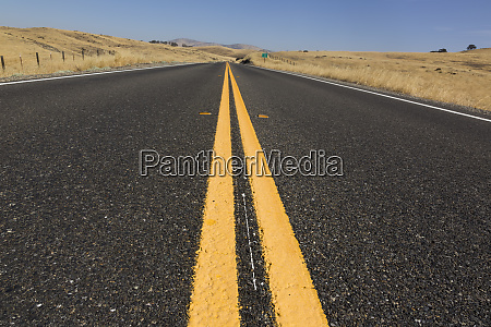 usa californien carmel valley empty road