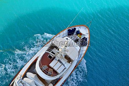 luxus yaht meer boot urlaub entspannen