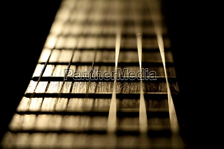konzertmusik instrument gitarrensaiten im goldenen musikerstil