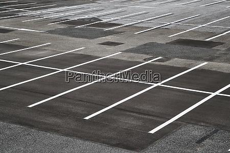leere parkplaetze