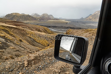 side view mirror iceland drive