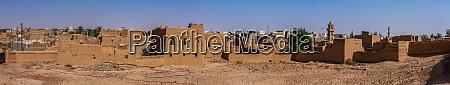 die verlassenen traditionellen arabischen lehmziegelhaeuser al