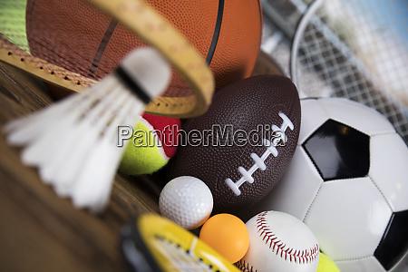 verschiedene sportgeraete gewinner hintergrund