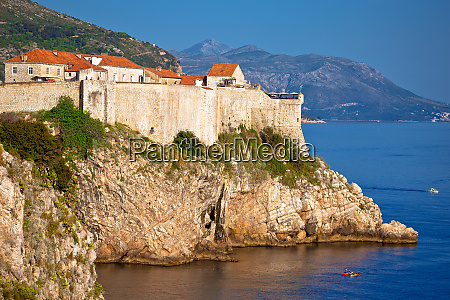 town of dubrovnik and strong defence