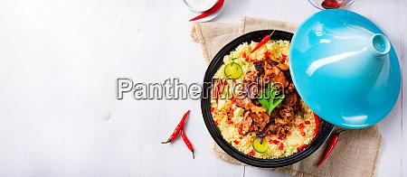 tajin, mit, couscous, gemüse, und, fleisch, auf - 26794628