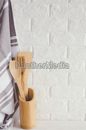 kuechenutensilien kueche rustikal laendlich bambus holz