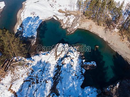 luftaufnahme der winterblauen seen