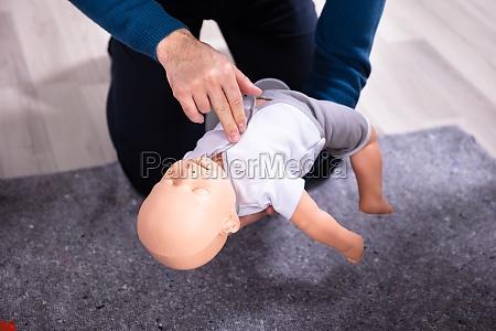 baby cpr dummy erste hilfe training
