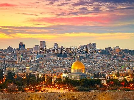 blick auf die jerusalemer altstadt israel