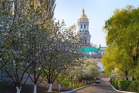 kiev pechersk lavra church spring